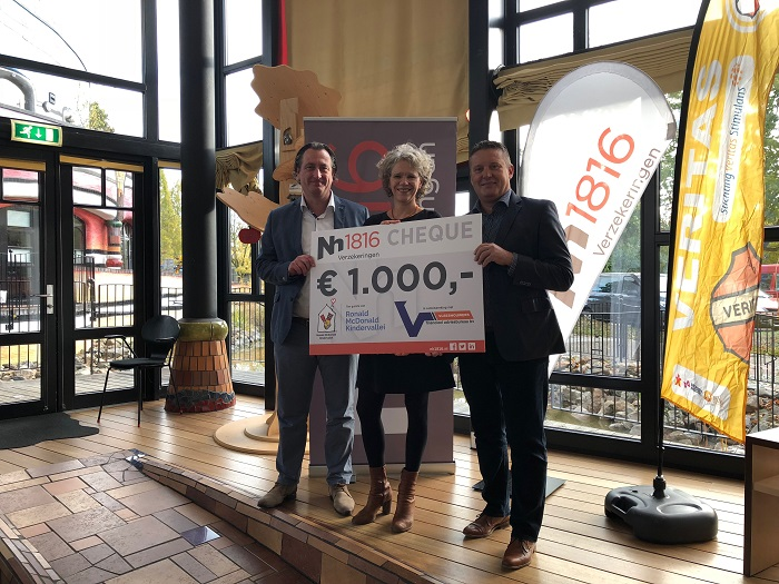 Cheque overhandiging Nh1816 Tourtocht Veritas